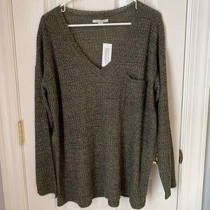 American Eagle - V-Neck Long Sleeve Sweater